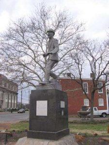 mr-bojangles-statue-richmond-va-tikisoo