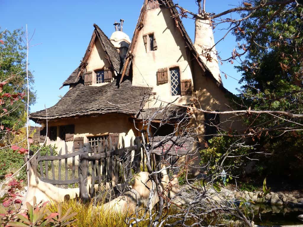 spadena-house-photo-by-keith-valcourt